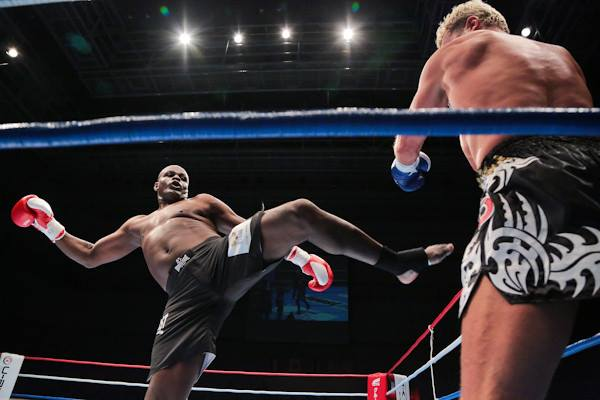 Photo of the Day: Ernesto Hoost Victorious in Japan