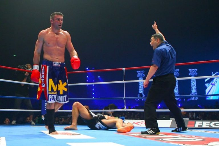 Peter Aerts vs. Dewey Cooper Featured on Global FC Card
